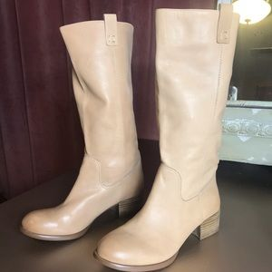 EUC!!! Gianni Bini Blond Leather Tall Boots